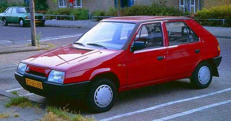 skoda_favorit_2