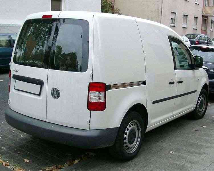 vw_caddy_04-10_2