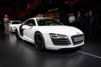 audi-r8-coupe-paris-2012-01