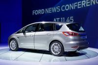 ford-smax003