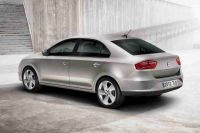 2013-Seat-Toledo-official-8