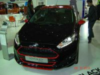 ford-fiesta-red-black-edition-5