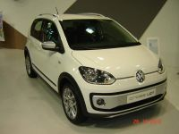 vw-up-crossup-2