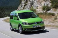 2013-VW-Cross-Caddy-1