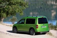 2013-VW-Cross-Caddy-4