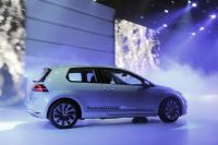 vw-golf-vii-bluemotion-paris-2012-11
