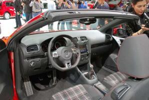volkswagen-golf-gti-cabrioletgeneva-100