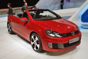 volkswagen-golf-gti-cabrioletgeneva-103